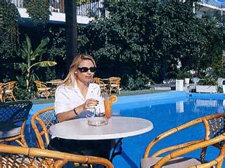 John and George Hotel: Swimming Pool