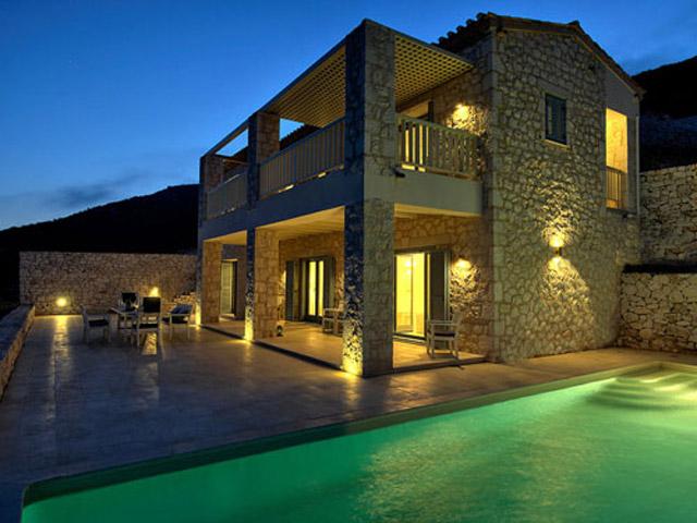 Urania Luxury Villas