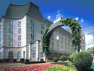 Crescent Court Hotel