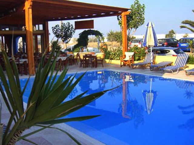 Dimitris Hotel Studios