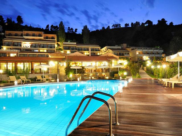 Kassandra bay resort luxury hotels resorts in skiathos for Best hotels in skiathos