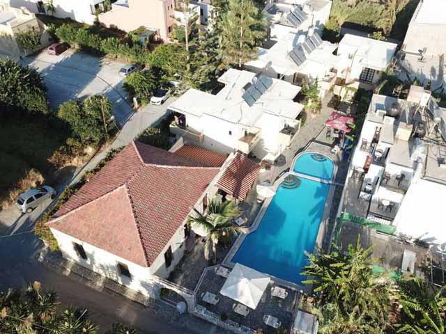 Lolas Hotel Apartment