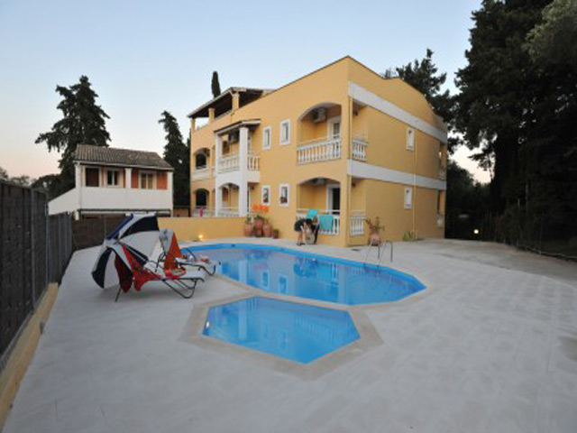 Saint Spiridon Apartments