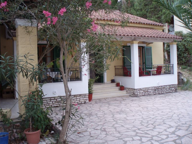Villa Lucia Apartments