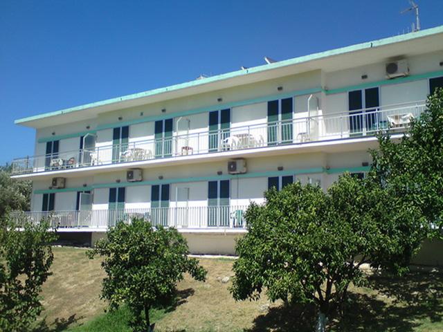 Vlassis Apartments