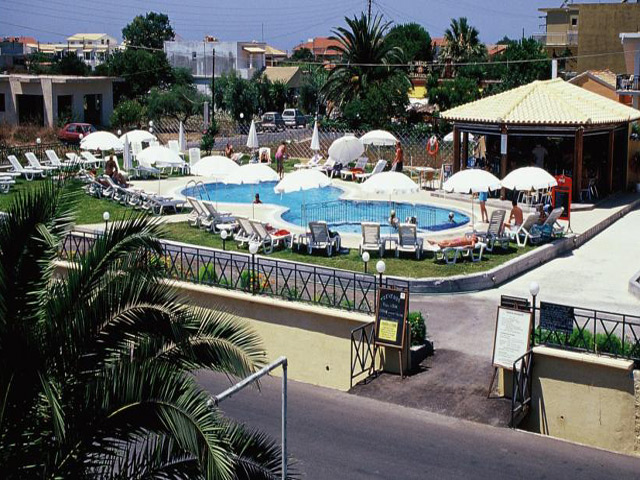 Tzevenos Apartments Hotel