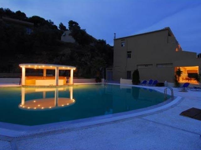 Belvedere hotel skiathos luxury hotels resorts in for Best hotels in skiathos