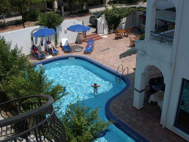 Golden Beach Hotel Apartments