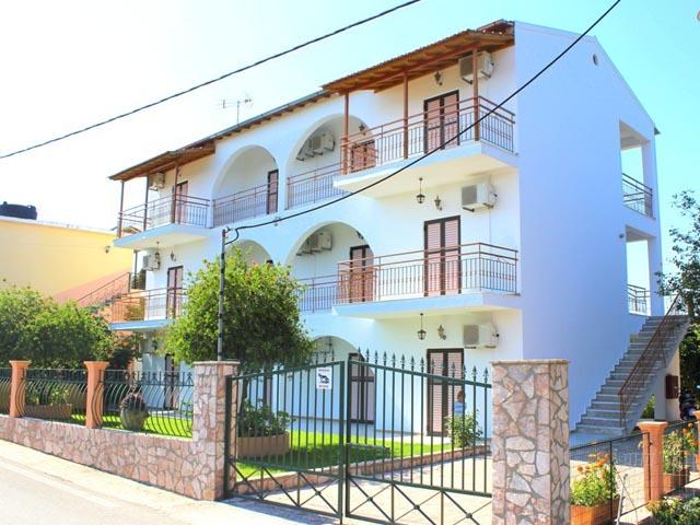 Mejanis Apartments