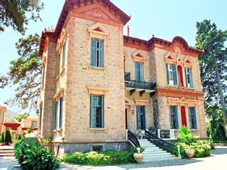 Loriet Hotel - The old Mansion House
