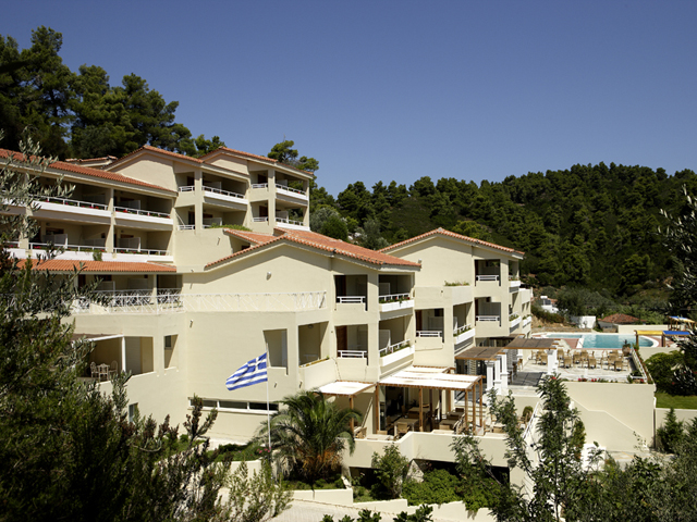 Kanapitsa mare hotel and spa luxury hotels resorts in for Best hotels in skiathos