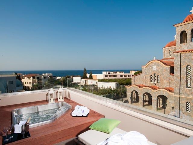 Hotel description for castello boutique resort spa for Designhotel kreta