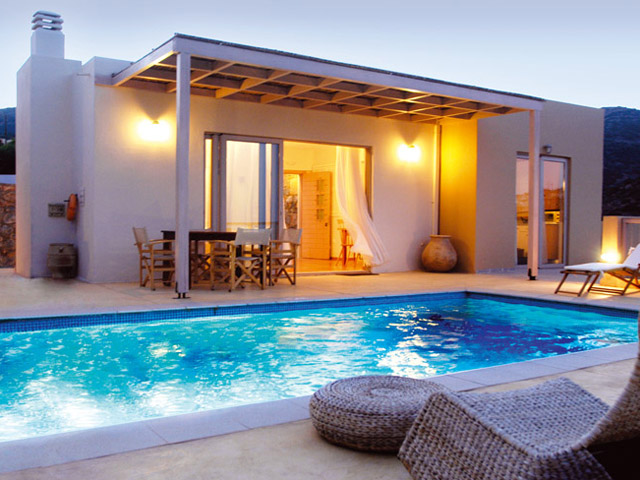 Book now : Pleiades Luxurious Villas