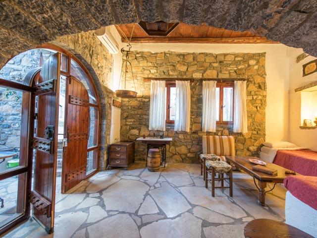 Elounda Efterpi Stone Home