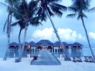 Soneva Gili Resort & Six Senses SpaSpa evening
