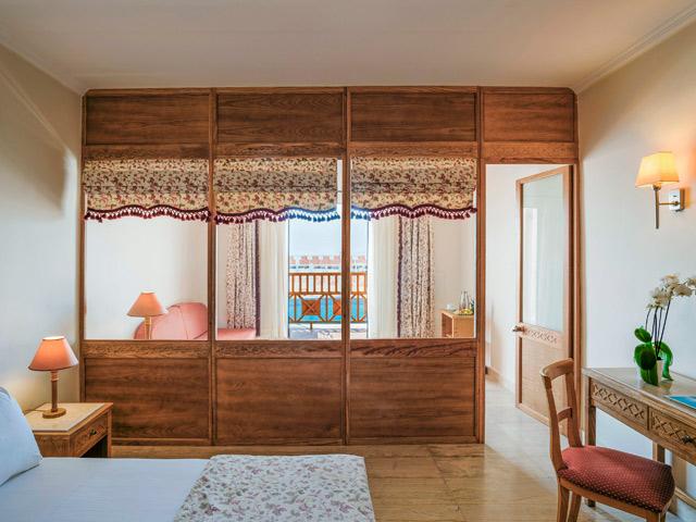 Mitsis Family Village Beach Hotel, 4 Stars luxury hotel in Kardamena