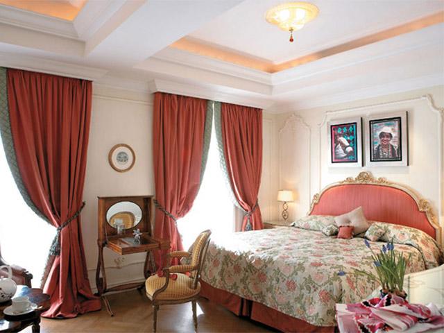 King George PalaceAcropolis Deluxe Guestroomd Bedroom