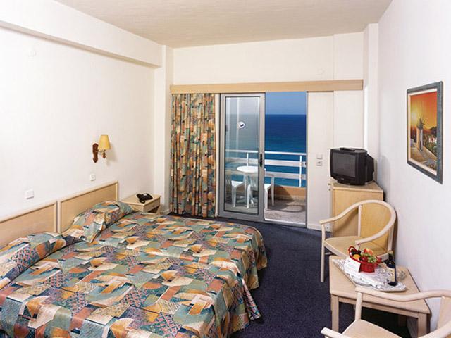 Belvedere Beach Hotel: Room