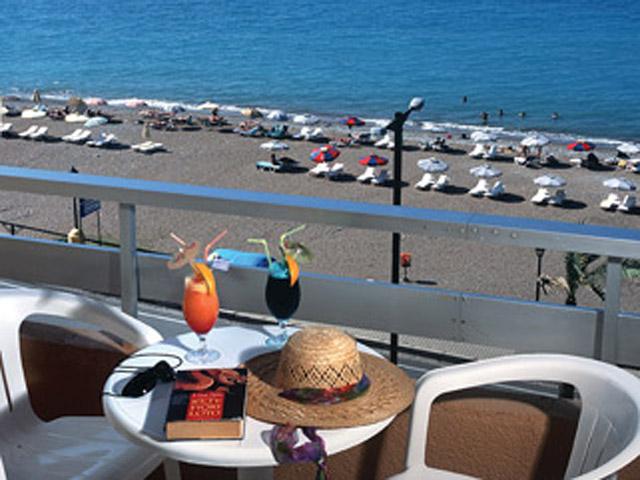 Belvedere Beach Hotel: Balcony