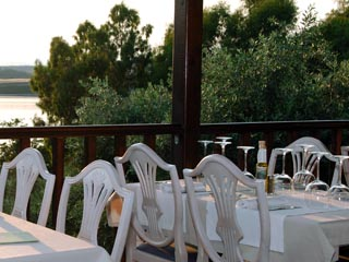 Agionissi Resort: Restaurant