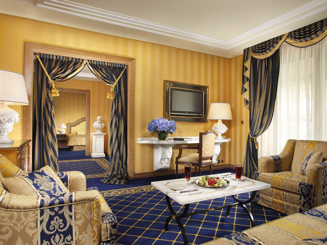 Royal Olympic HotelLiving Room