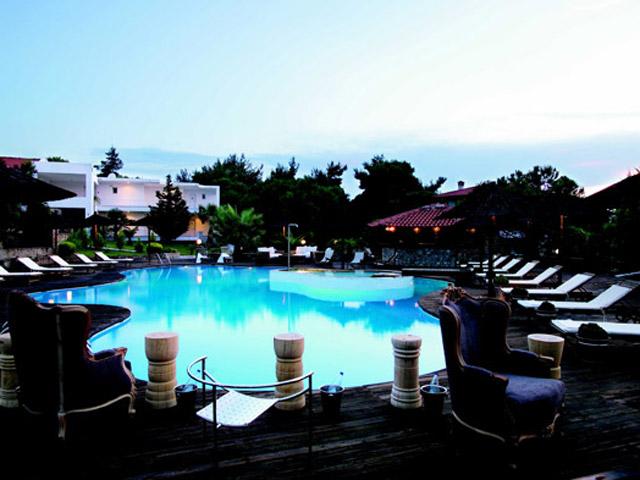 Ekies All Senses Resort: Pool Area