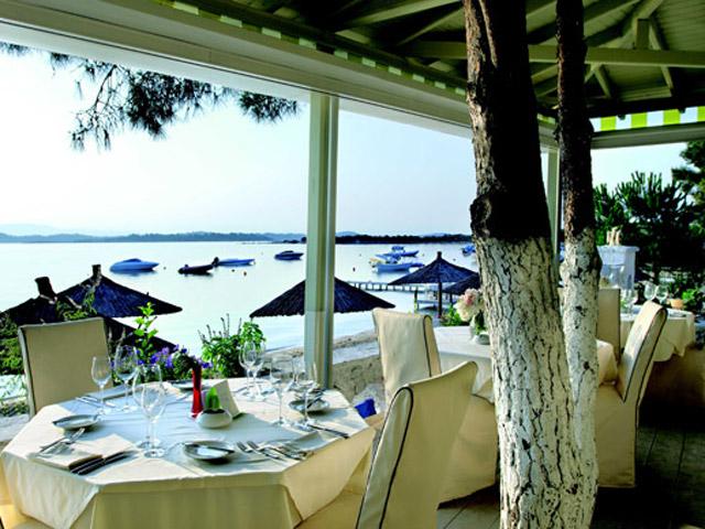 Ekies All Senses Resort: Restaurant