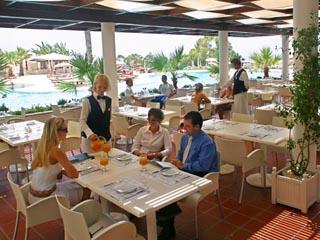 Grecian Park HotelCafe Charisma Terrace