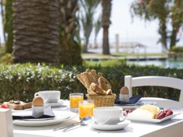 Sandy Beach HotelRestaurant