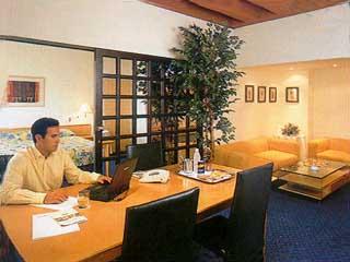 Crowne Plaza Limassol (ex Holiday Inn Limassol)Room