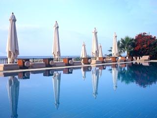 Londa BeachSwimming Pool