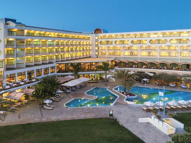Constantinou Bros Athena Royal Beach Hotel -