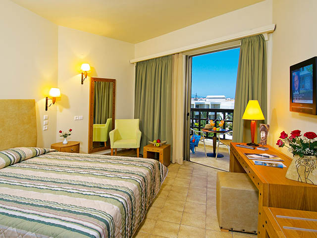 Santa Marina Beach Hotel -