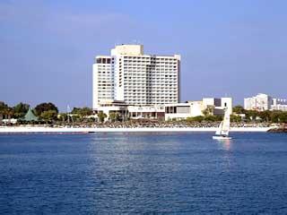 InterContinental Abu Dhabi Hotel: Exterior View