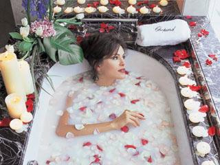 Emirates Towers HotelChopard Ladies Floor - Bathtub