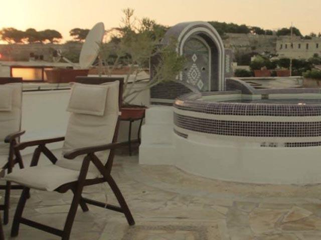 Avli Lounge