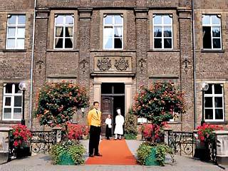 Schloss Hugenpoet HotelImage3