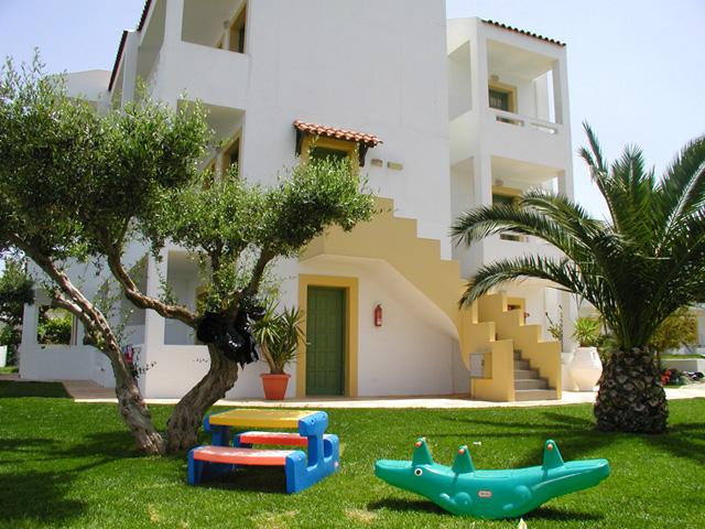 Nikolas Villas Apartments