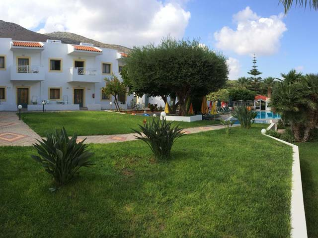 Nikolas Villas Apartments