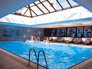 Hilton Izmir Hotel: Swimming Pool