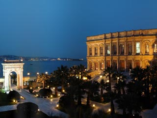 Ciragan Palace Hotel KempinskiExterior View at Night