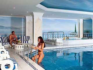 Ciragan Palace Hotel KempinskiIndoor Swimming Pool