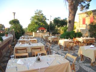 Mavrokordatiko Guest House: Restaurant