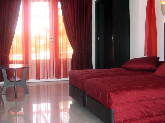 Giannoulaki  Hotel Delian Collection