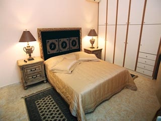 Vergis Epavlis Luxurious Suitesthe House of Angels