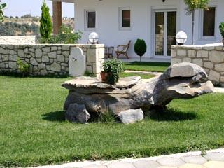 Vergis Epavlis Luxurious SuitesExterior View