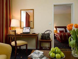 Diplomat HotelSuite
