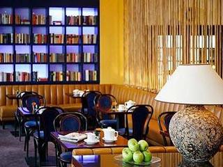 Diplomat HotelBar