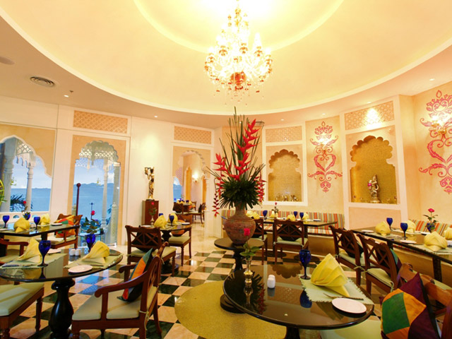 Royal Cliff Beach Hotel - Maharani Restaurant