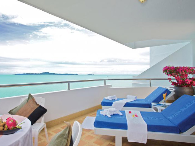 Royal Cliff Beach Hotel: Theme Suite(1 bedroom) verandah